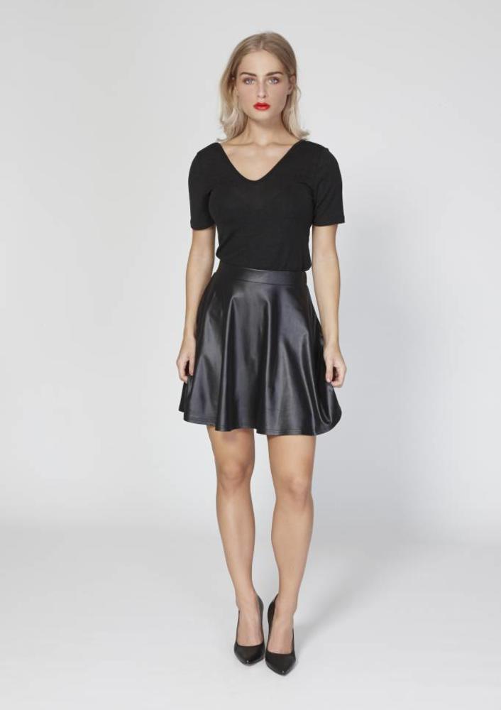 dec- skirt alaska black