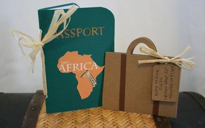 Koffer en paspoort uitnodigingen