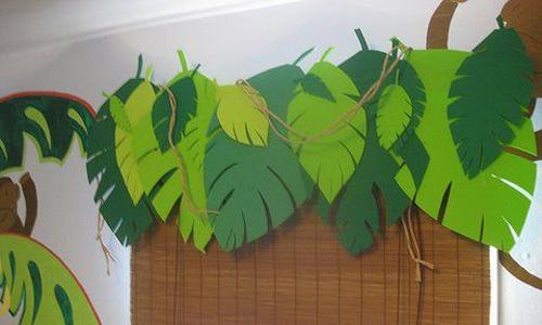 Palmbladen en lianen