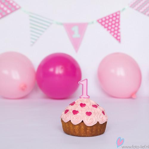 1 jaar taartkaarsje roze hieppp - Deco slaapkamer meisje jaar ...