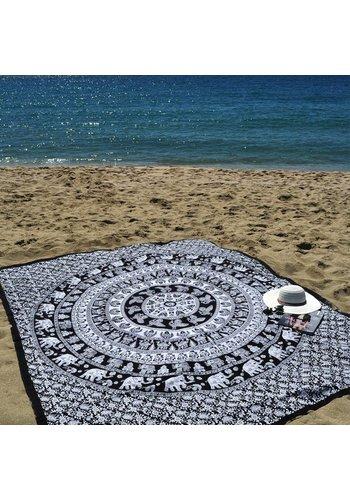 Lola Nomada Elephantie Summer Beach Throw