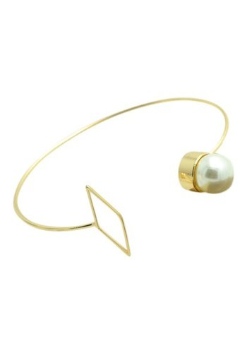 Pearl bangle goud