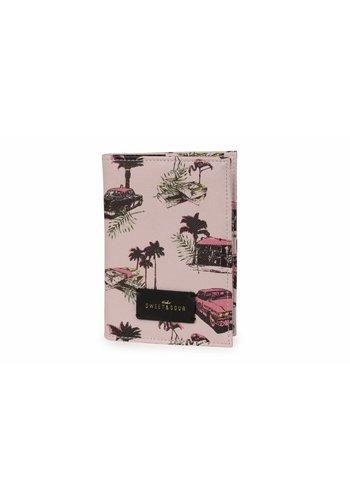 Studio Sweet & Sour Passport holder / pink cadillac allover
