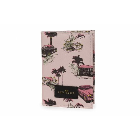 Studio Sweet & Sour  Passport holder / pink cadillac allover