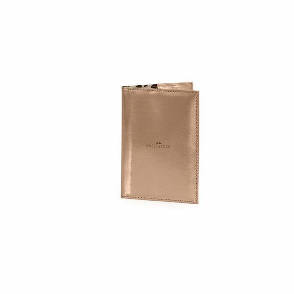 Passport holder / holographic copper