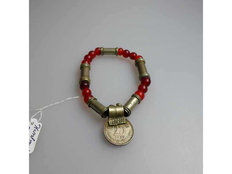 Tribal Schmuck Armband mit Büffelhornperlen, Metallperlen, Münzen in der Farbe rot