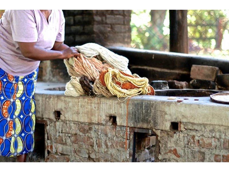 Kenana Stofftiere Sitzender Woll-Löwe 42cm - Kenana Stofftiere - Handmade