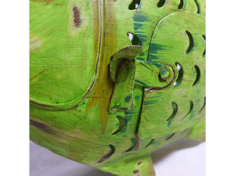 JONES-ANTIQUES Fisch aus Eisen im grünen Antikfinish handgearbeitet und von Hand bemalt