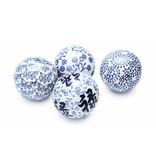JONES-ANTIQUES Dekokugeln XLarge - Set bestehend aus 4 handgearbeitete Kugeln - Porzellan blau/weiß - 11 cm Durchmesser