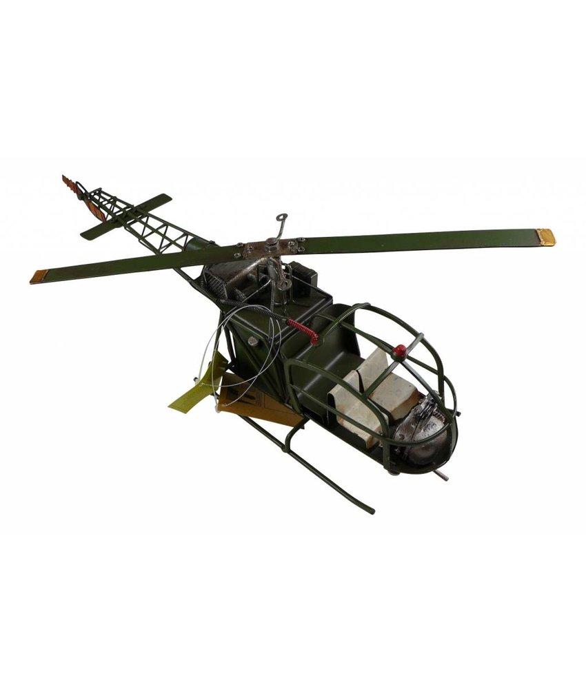 Hubschrauber aus Blech in XL