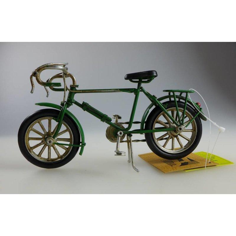Blech-Fahrrad grün