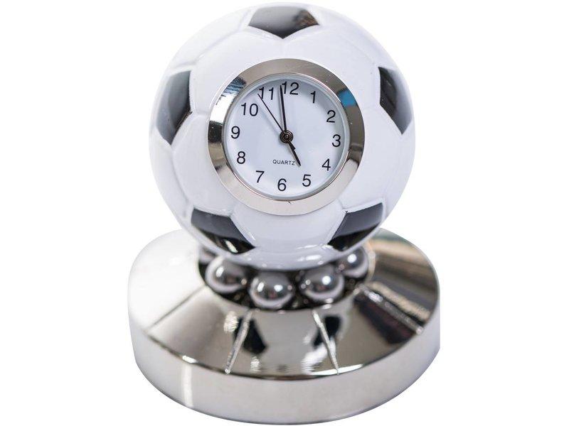 ChicMic Miniatur Uhr - Fussballuhr - Vintage Uhr - Sammleruhr in hochwertiger Geschenkbox