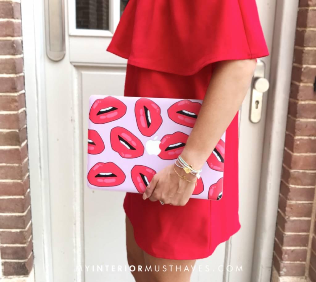 KISS KISS (laptop sticker) - MIM