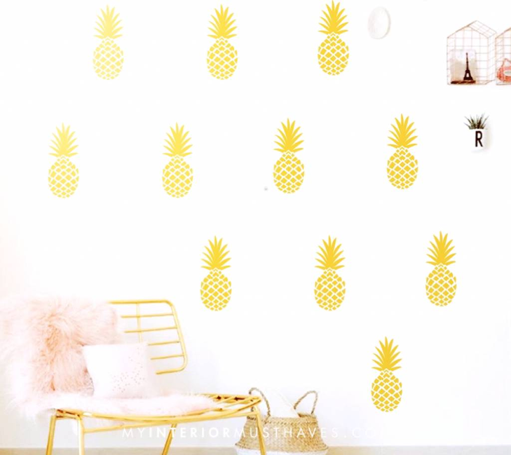 PINE UP YOUR WALL