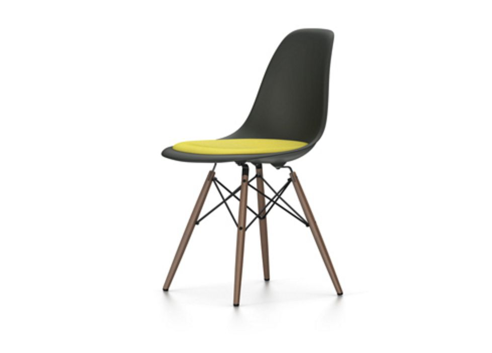 eames plastic side chair dsw wonderwood. Black Bedroom Furniture Sets. Home Design Ideas
