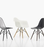 Eames Plastic Side Chair DSW.