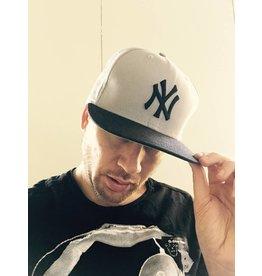 EXCLUSIVE SNAPBACK CAP NY