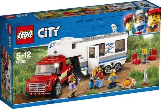 lego lego city pick up truck en caravan 60182. Black Bedroom Furniture Sets. Home Design Ideas