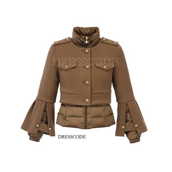 Tweedelige jas met rits en gouden knopen