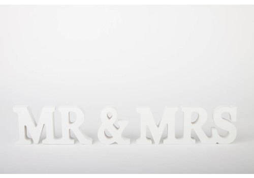 Mr en Mrs houten letters
