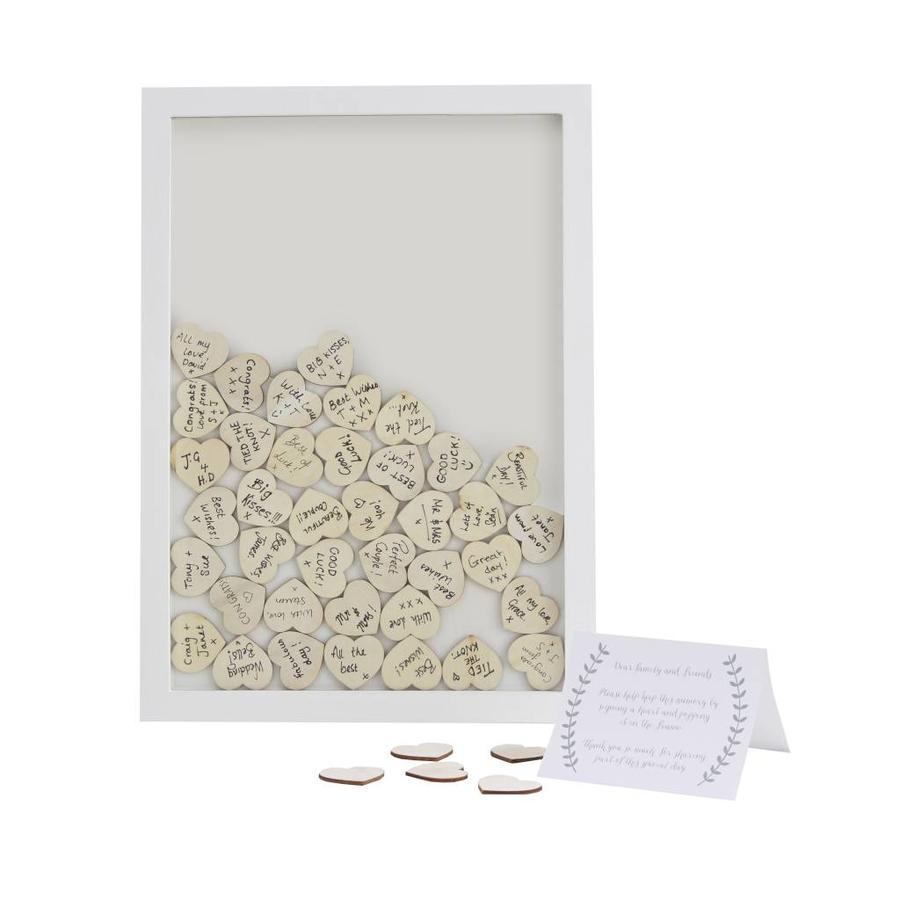 Alternatief gastenboek houten hartjes