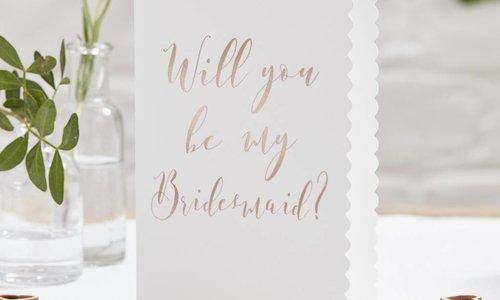 Hoe origineel uw bruidsmeisje vragen?
