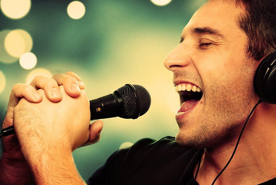 Optimale stemverzorging door vernevelen van stembanden