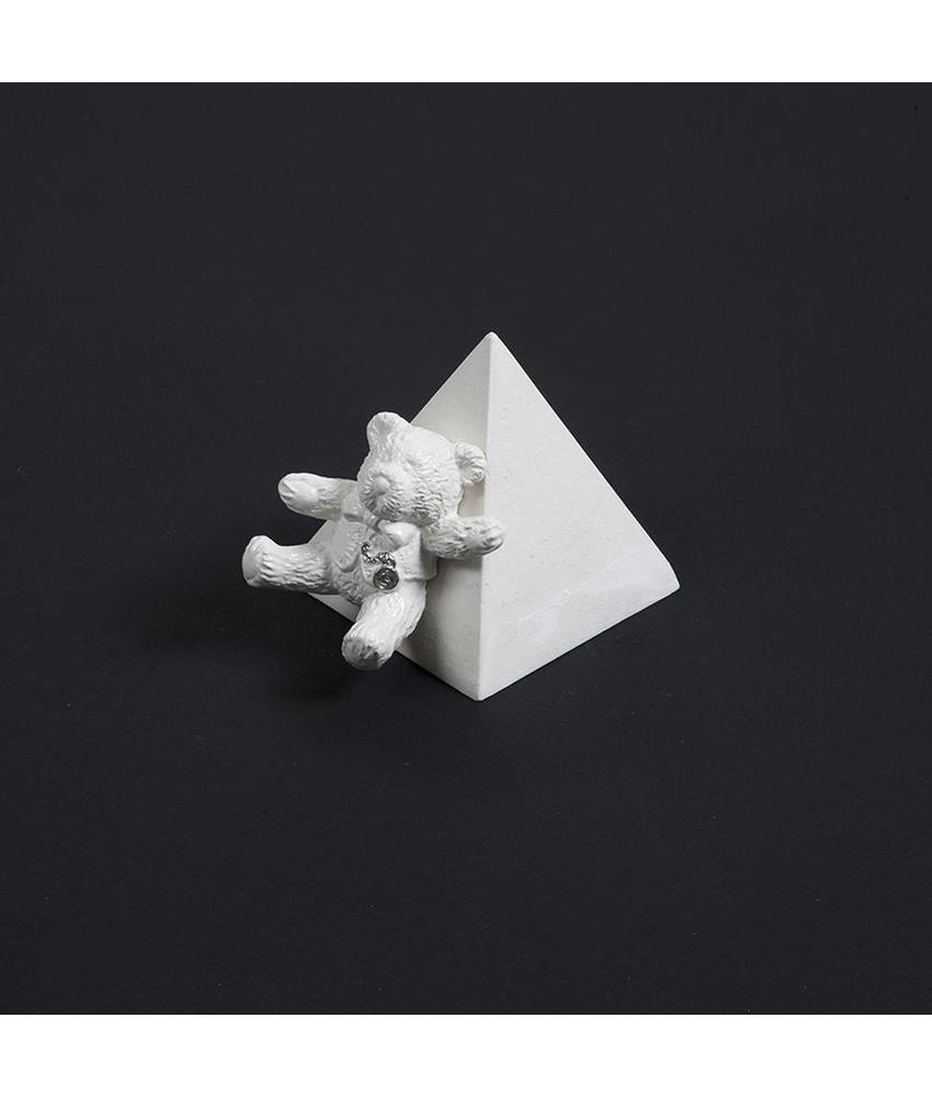 Kinder urn beer met pyramide - keramiek