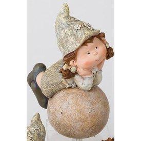 Gartenzwerg Jule auf einer Kugel liegend, 24 cm