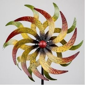 Windrad aus Metall in bunten Farben mit Stange, 160 cm