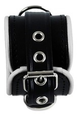 RoB Leather Wrist Restraints Small White Piping