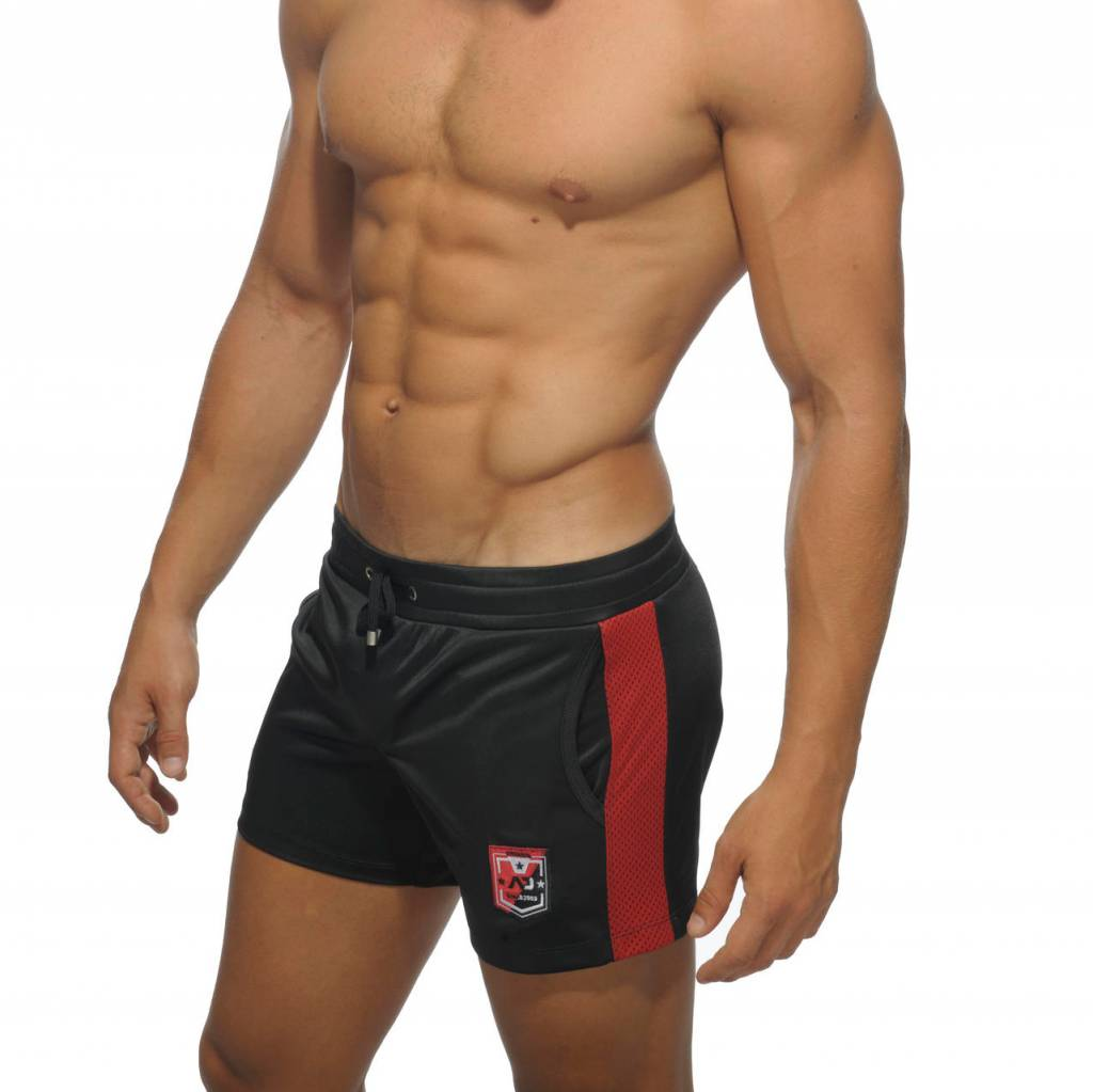 Addicted Addicted Badge Sport Short Schwarz mit Rot