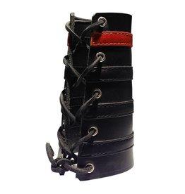 RoB Leather Lace Up Gauntlet mit 3 schwarzen und 1 roten Streifen