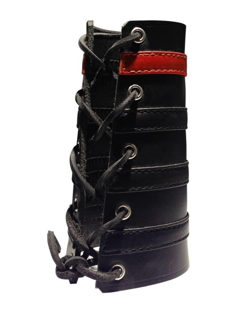 RoB Leather Lace Up Gauntlet met 3 zwarte en 1 rode band