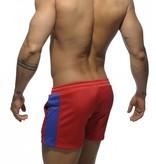 Addicted Addicted Badge Sport Short Rot mit Blau