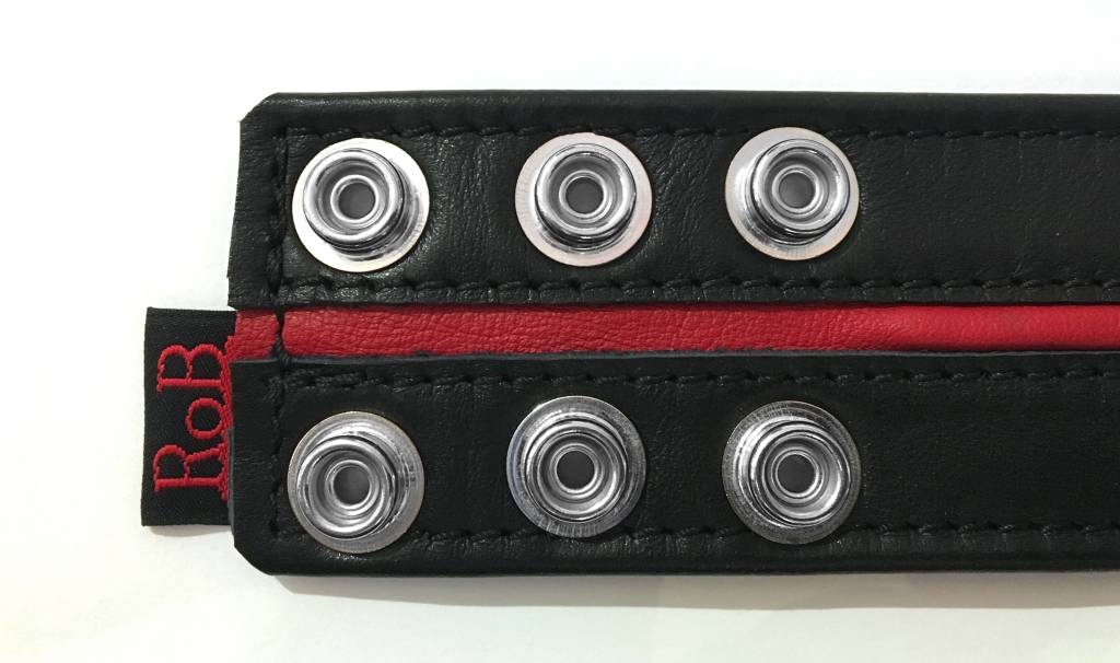 RoB Leather Bicepsband Black 50 mm wide with Red Piping and Press Studs