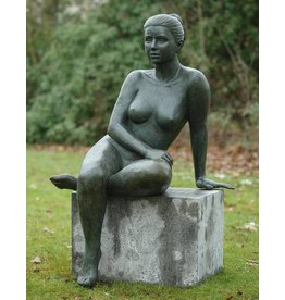 Beeld brons steunende vrouw