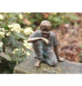 Eliassen Beeld brons zittende jongen