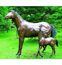 Pferd und Fohlen in bronze