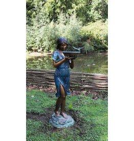 Mädchen mit Wasserwaage Bronze Wasserspiel