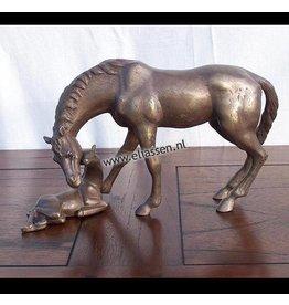 Pferd mit Fohlen bronze