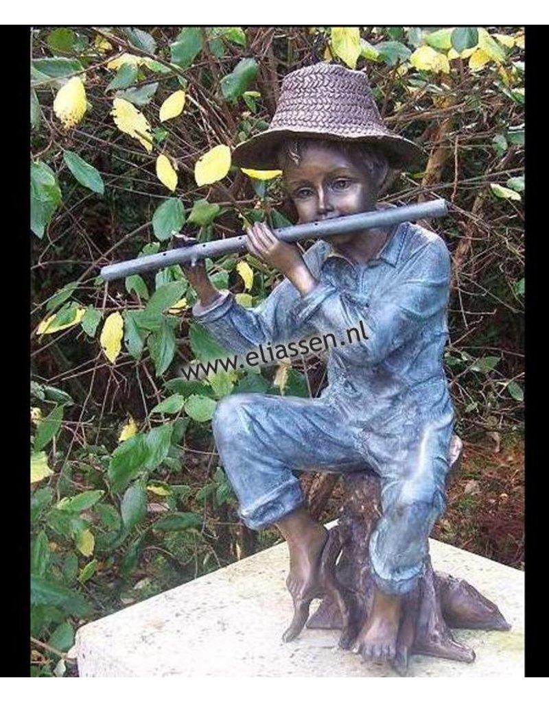 Boy mit Flöte