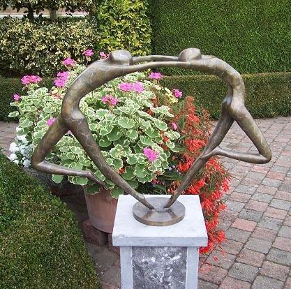 Beeld brons abstract verliefd danspaar eliassen home garden pleasure - Beeld van decoratie ...