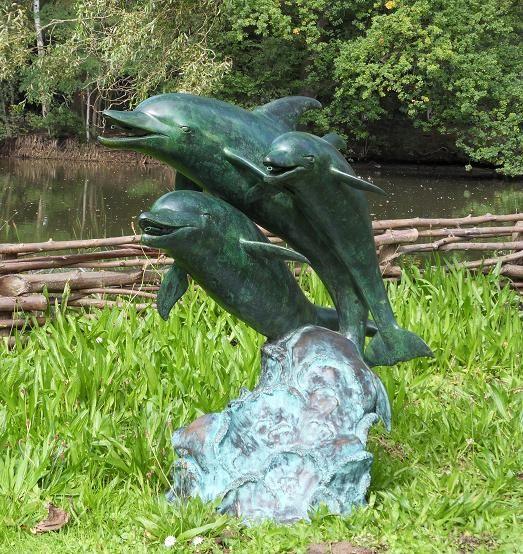 Sprühfigur Bronze 3 Delfine
