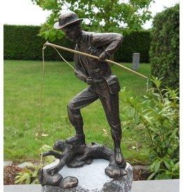 Beeld brons visser met hengel