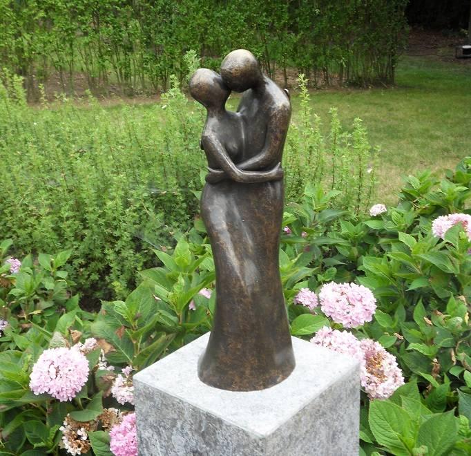 Beeld brons liefdespaar modern eliassen home garden for Beeld tuin modern