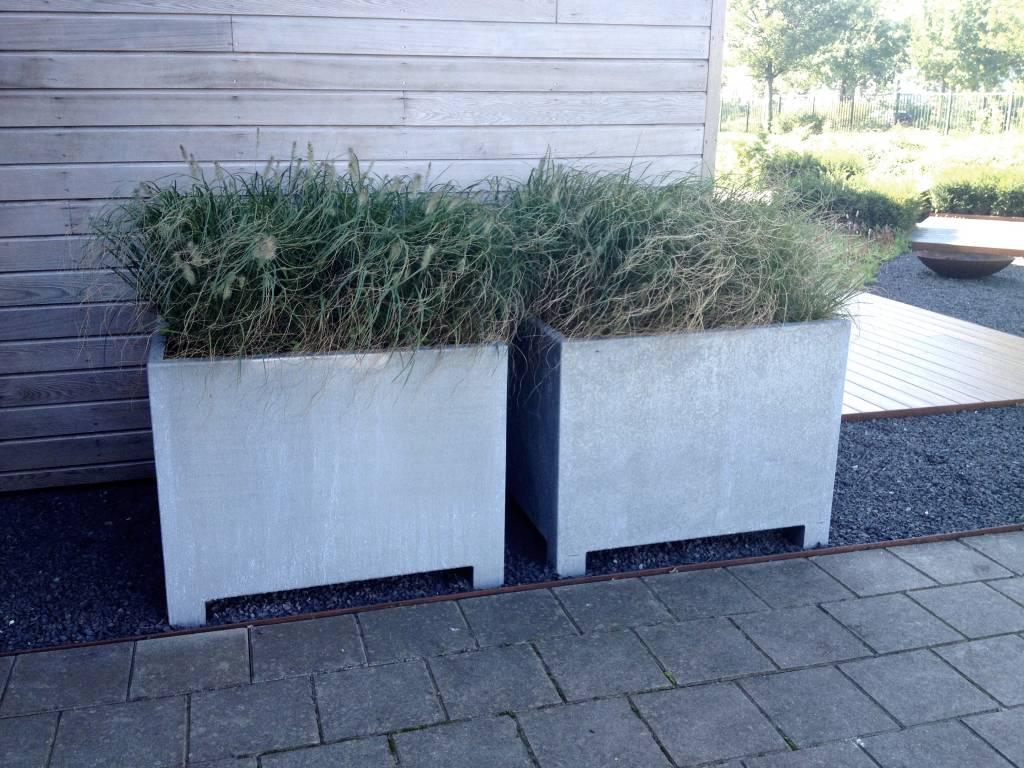 verzinkt staal bloembakken potten adezz eliassen home garden pleasure. Black Bedroom Furniture Sets. Home Design Ideas