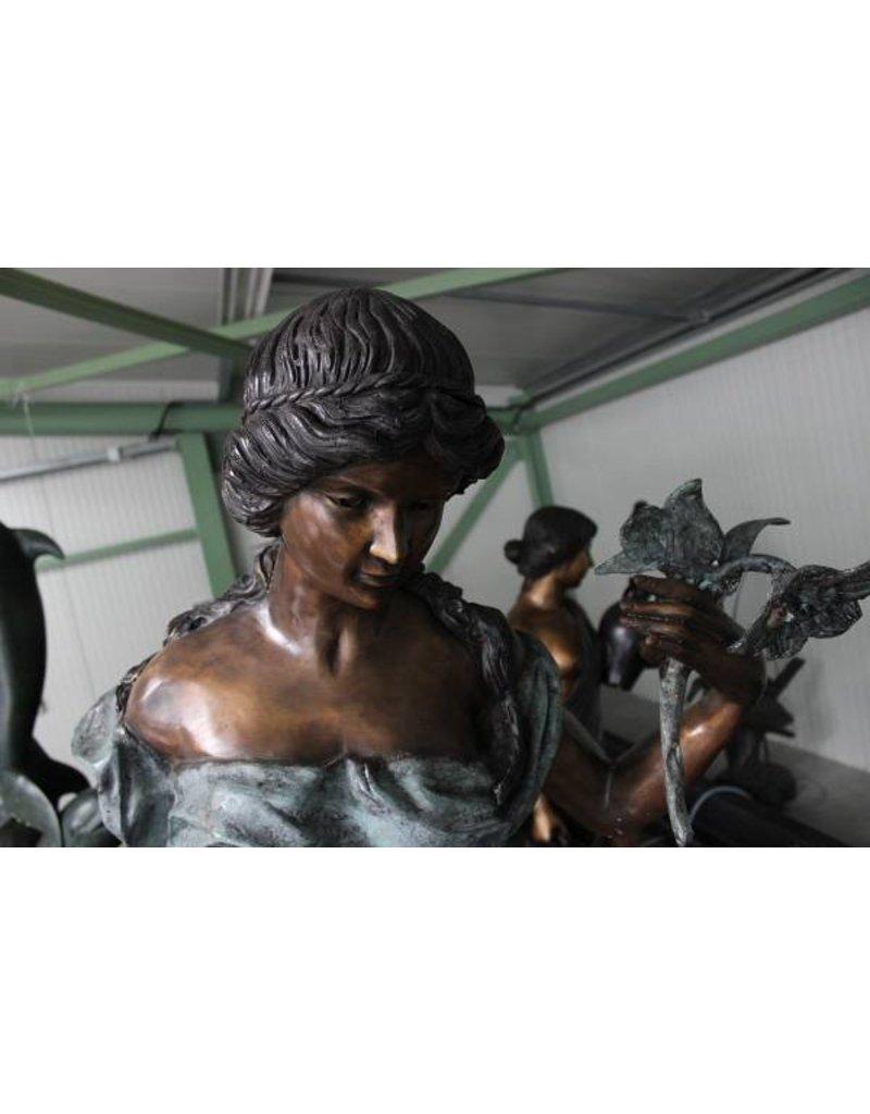 Blumen Frau bronze