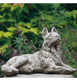 dragonstone Tuinbeeld Alsation hond