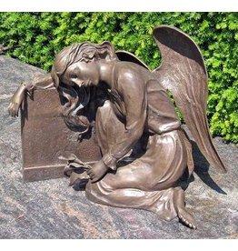Bild Engel Grab auf dem Grabstein Bronze